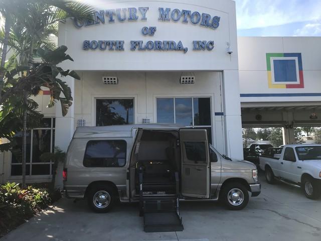 Photo 2008 Ford Econoline Hi Top Conversion Van Recreational Hightop Handicap Wheelchair Van