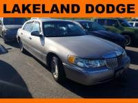 Pre-Owned 1999 LINCOLN Town Car Signature