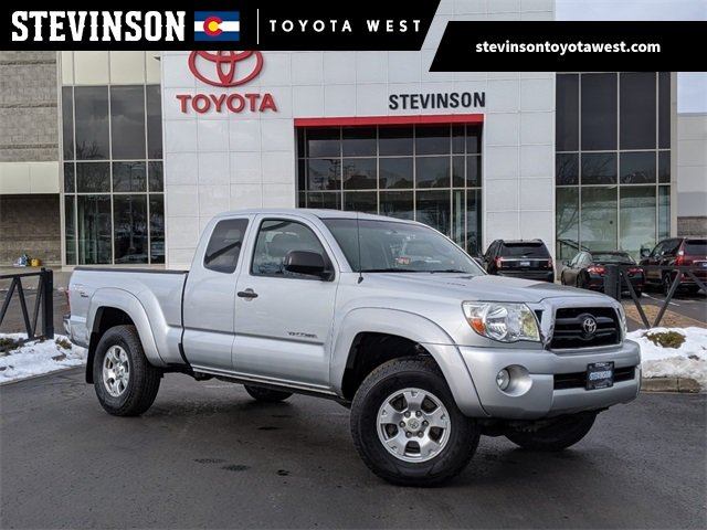 Photo Used 2006 Toyota Tacoma 4WD Access Cab Standard Bed V6 Automatic