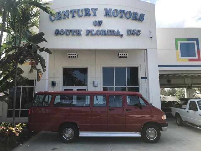 Photo 1997 Dodge Ram Wagon B3500 15 Passenger Van Factory AC Clean CarFax