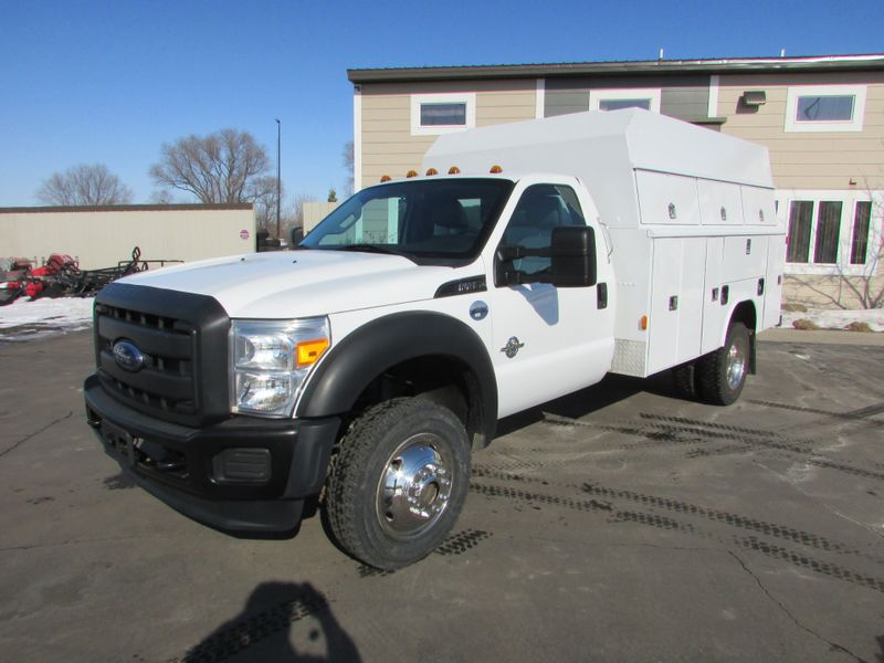 Photo Used 2015 Ford F-450 4x4 Reg-Cab Service Utility Truck