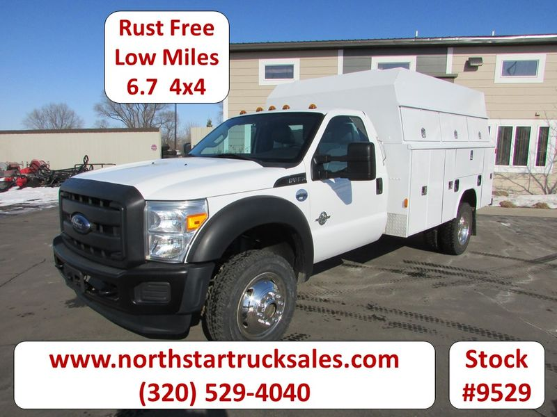 Photo Used 2015 Ford F-450 6.7 4x4 Reg-Cab Service Utility Truck