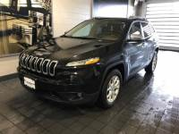 2016 Used Jeep Cherokee 4WD 4dr Latitude in Brilliant Black Crystal Pearlcoat For Sale in Moline IL | P19466