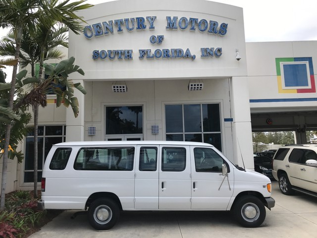 Photo 2002 Ford Econoline Wagon XL 7.3L Diesel 15 Passenger Van 1 Owner Clean CarFax