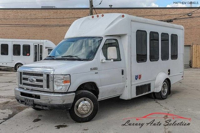 Photo 2011 Ford E350 Econoline Cutaway With Wheelchair Lift 3dr VAN