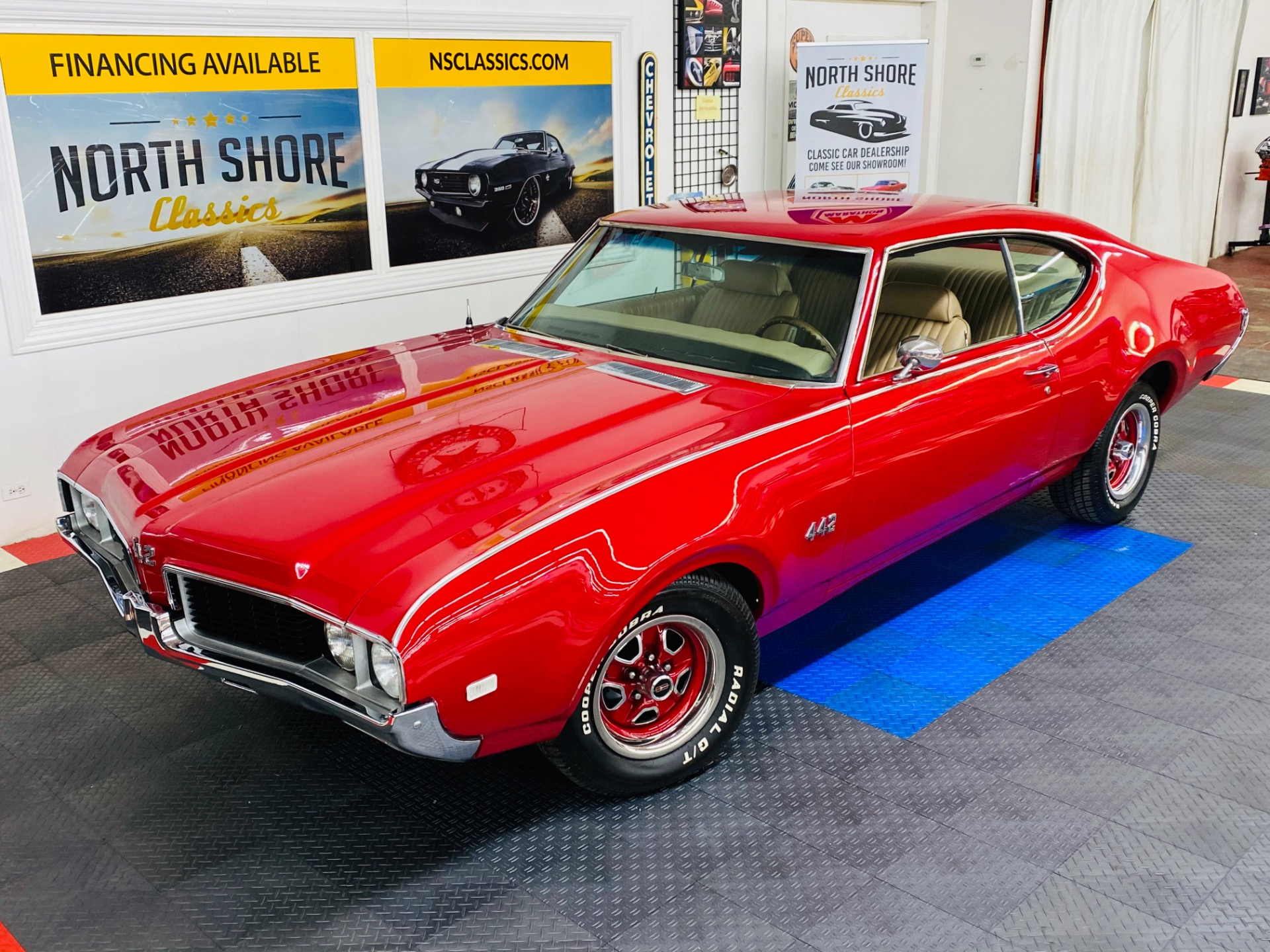 Photo 1969 Oldsmobile Cutlass - 442 TRIBUTE - VERY CLEAN BODY AND PAINT -