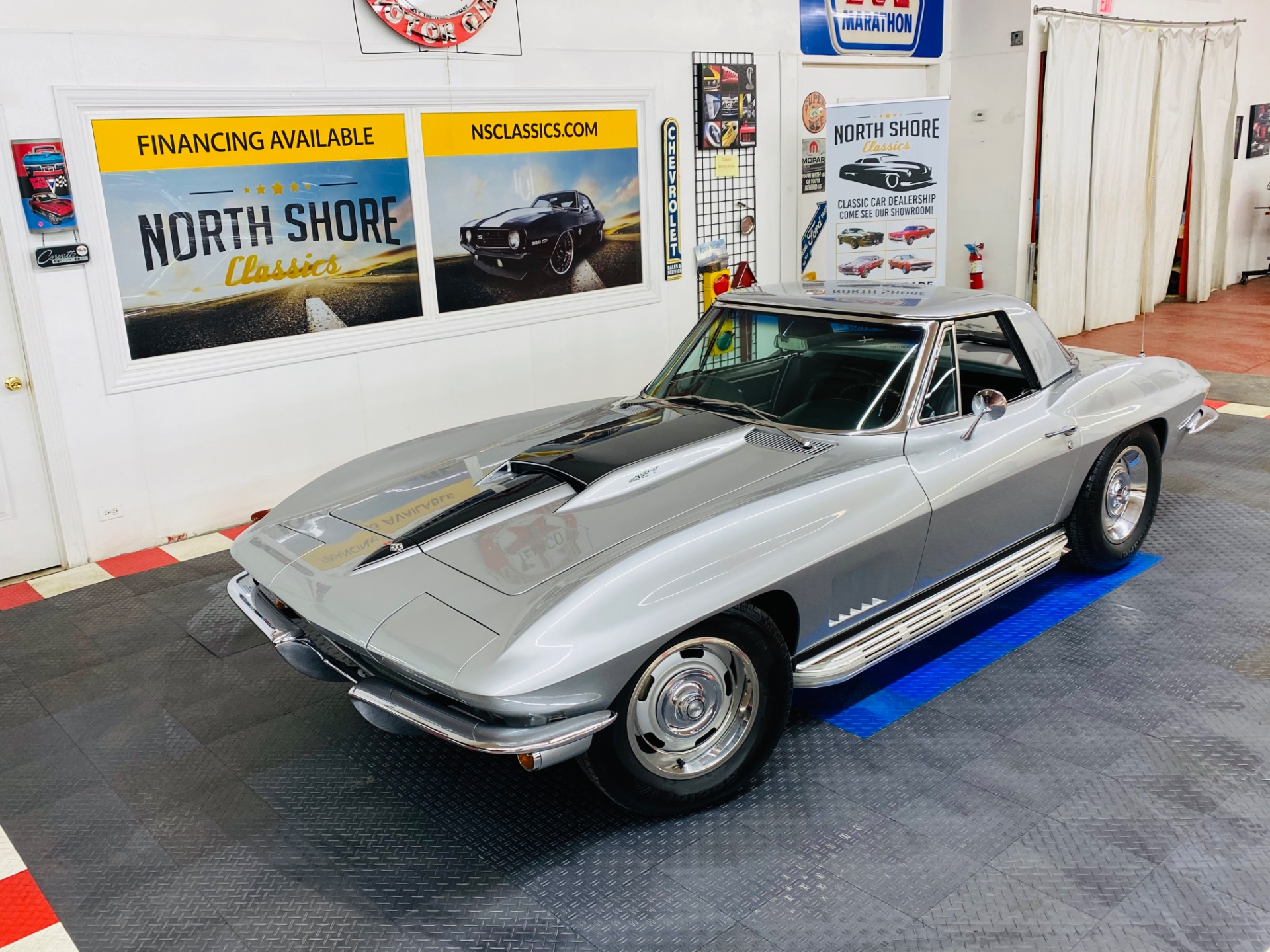 Photo 1967 Chevrolet Corvette - TWO TOP CONVERTIBLE - TRI POWER 427 - TANK STICKER - SEE VIDEO