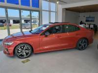Pre-Owned 2019 Volvo S60 T6 AWD R-Design
