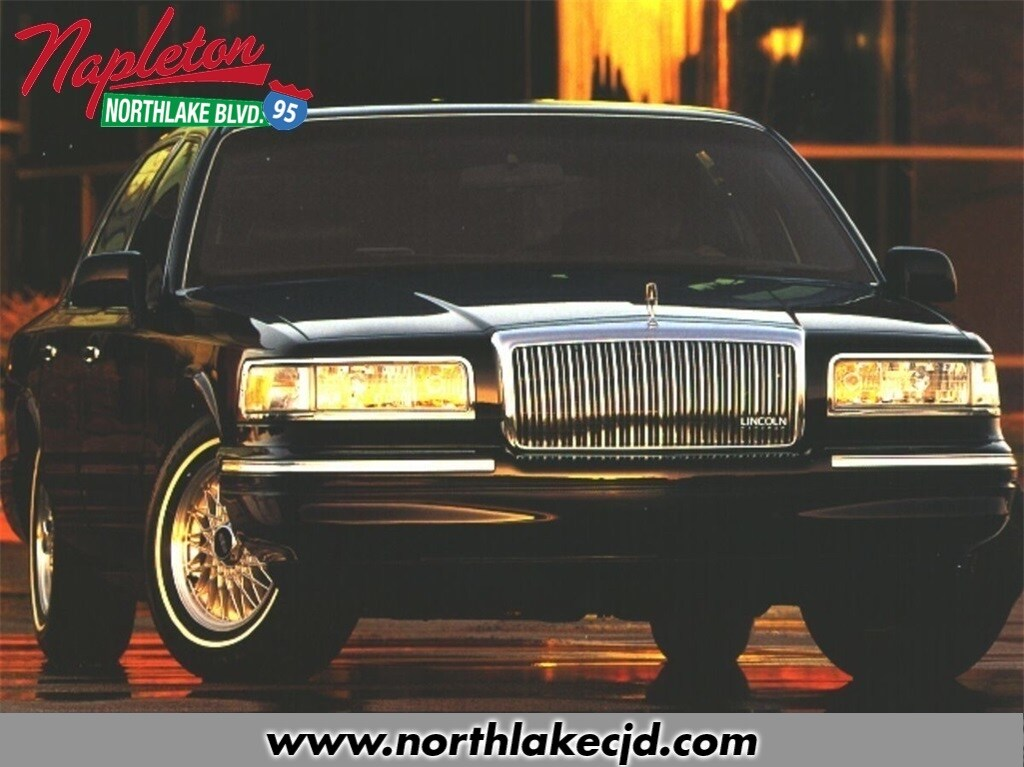 Photo Used 1996 Lincoln Town Car West Palm Beach