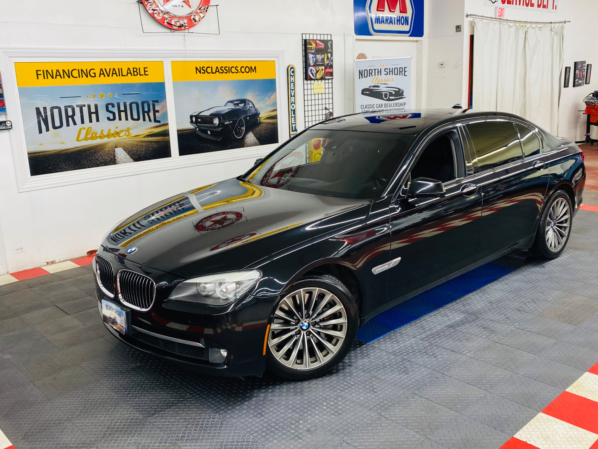 Photo 2009 BMW 750 Li - RECENT MAJOR SERVICE COMPLETED - LOADED WITH OPTIONS -