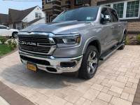 2019 Ram 1500 Laramie 4x4 Crew Cab w/Leather Navigation,Back Up Camera,Blind spot Monitor