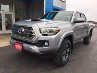 Pre-Owned 2017 Toyota Tacoma TRD Sport Double Cab 5' Bed V6 4x4 AT (Natl)