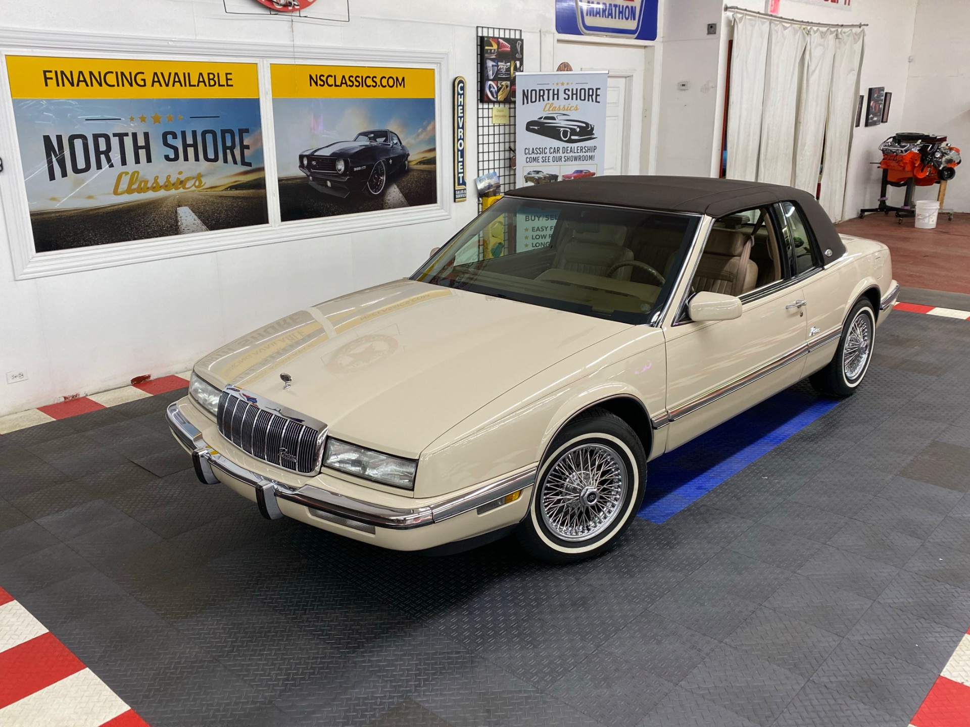 Photo 1992 Buick Riviera - LIKE NEW CONDITION - FULL SERVICE RECORDS - SUPER CLEAN - SEE VIDEO -