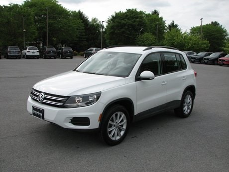Photo Certified Used 2017 Volkswagen Tiguan Limited 2.0T in Gaithersburg