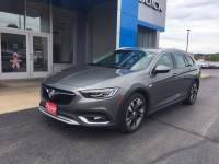 Pre-Owned 2018 Buick Regal TourX Essence AWD