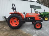 2000 M6800 Tractor