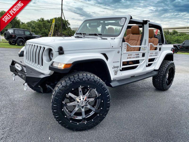 Photo Used 2018 Jeep All-New Wrangler Unlimited CUSTOM LIFTED SAHARA LEATHER HARDTOP NAV