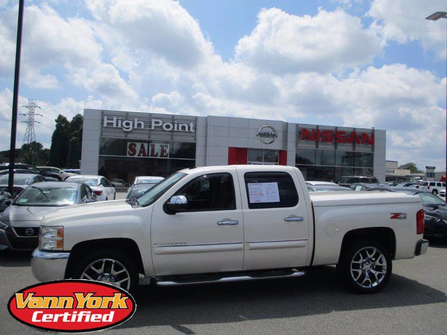 Photo Used 2013 Chevrolet Silverado 1500 LT Pickup For Sale in High-Point, NC near Greensboro and Winston Salem, NC