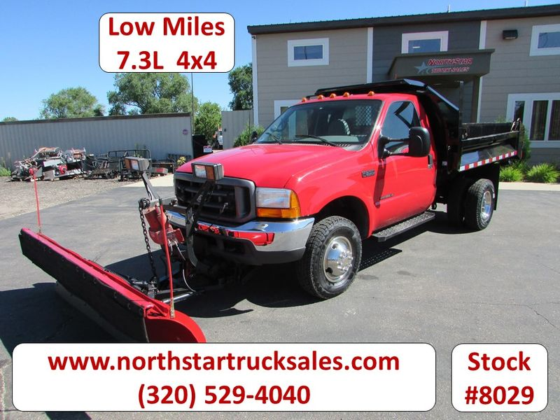 Photo Used 2000 Ford F-350 7.3 4x4 Plow Dump Truck