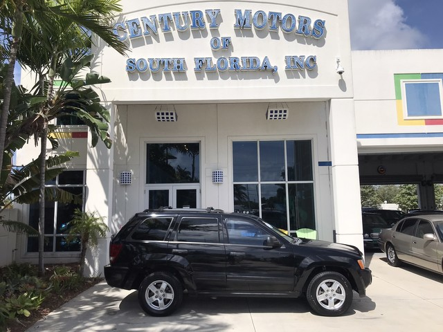 Photo 2006 Jeep Grand Cherokee Laredo 1-Owner Clean CarFax No Accidents LOW MILES