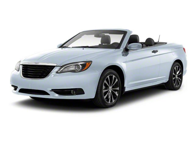 Photo Used 2012 Chrysler 200 Limited Convertible