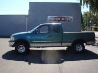 1998 Ford F-150 EXT CAB 3-DOOR XLT 4X4 V8 5-SPEED MANUAL ALLOYS