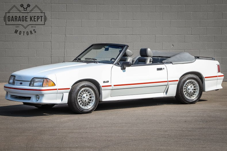 Photo 1988 Ford Mustang GT Convertible