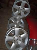 2005 Nissan Titan alloy rims
