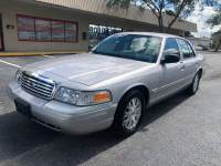 2004 Ford Crown Victoria LX 4dr Sedan w/Driver and Passenger Side Air Bags