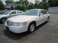 2000 Lincoln Town Car Executive L 4dr Sedan
