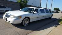2000 Lincoln Town Car Executive 4dr Sedan w/ Limousine Builder Package