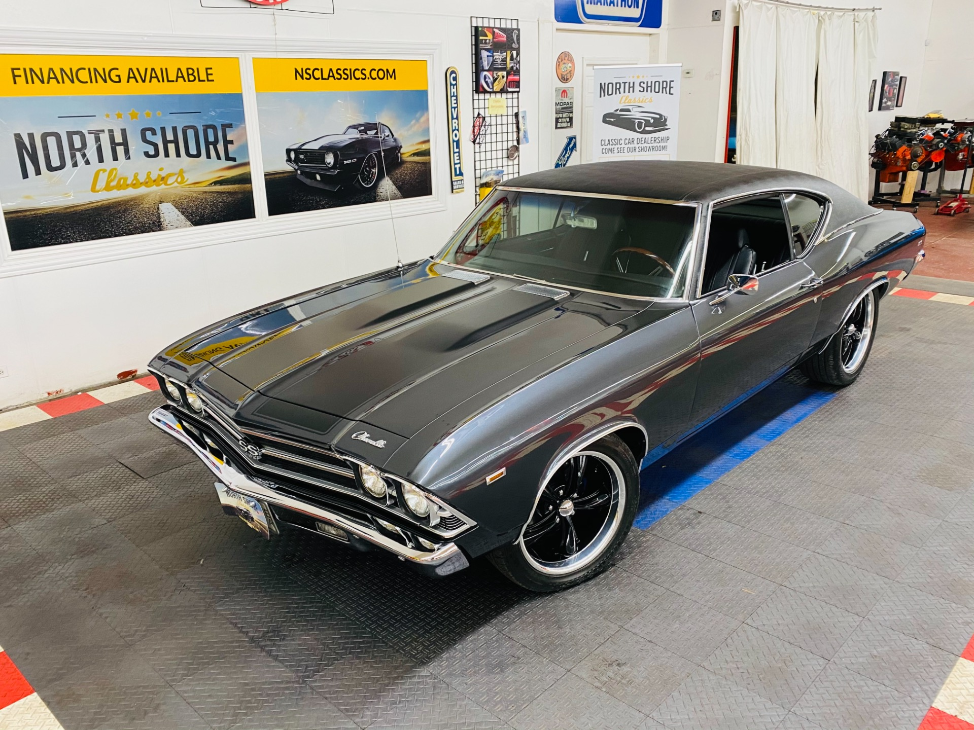 Photo 1969 Chevrolet Chevelle - FRAME OFF RESTO MOD - 454 ENGINE - VINTAGE AIR - SEE VIDEO -