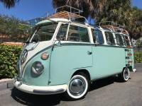 1971 Volkswagen Vanagon Deluxe Samba