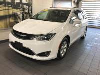 Bright White Clearcoat Used 2017 Chrysler Pacifica Touring-L Plus FWD For Sale in Moline IL | S21233A
