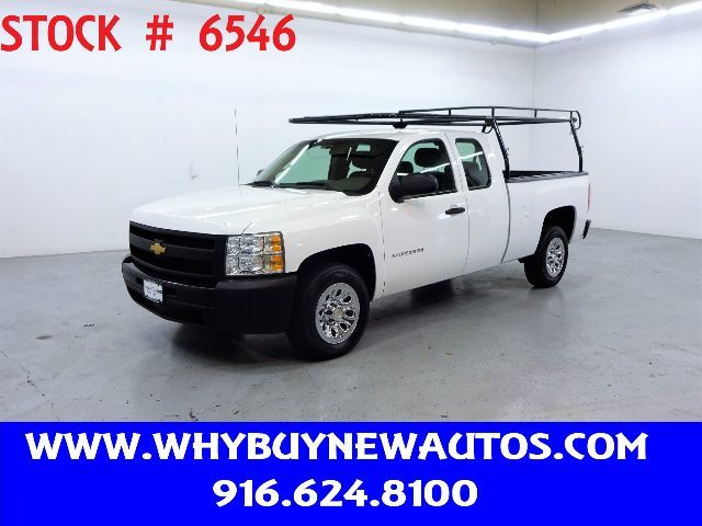 Photo 2012 Chevrolet Silverado 1500  Extended Cab  Only 60K Miles