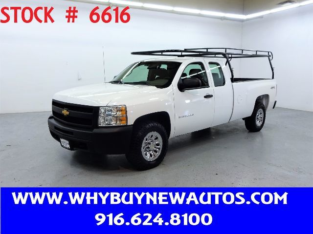 Photo 2012 Chevrolet Silverado 1500  4x4  Extended Cab  Only 49K Miles
