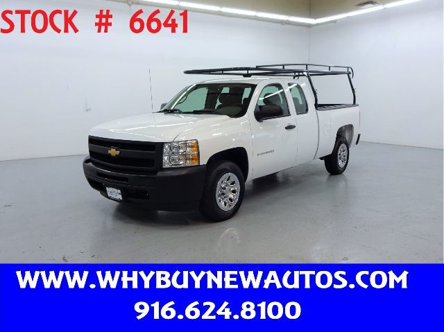 Photo 2012 Chevrolet Silverado 1500  Extended Cab  Only 20K Miles