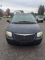 2007 Chrysler Town and Country 4dr Mini-Van