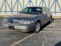 2003 Lincoln Town Car Signature - SEE VIDEO