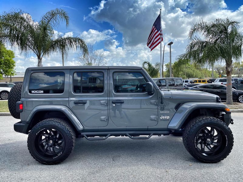 Photo Used 2020 Jeep Wrangler Unlimited CUSTOM LIFTED LEATHER AND STINGRAY LEATHER NAV