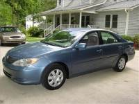 2004 Toyota Camry LE FWD
