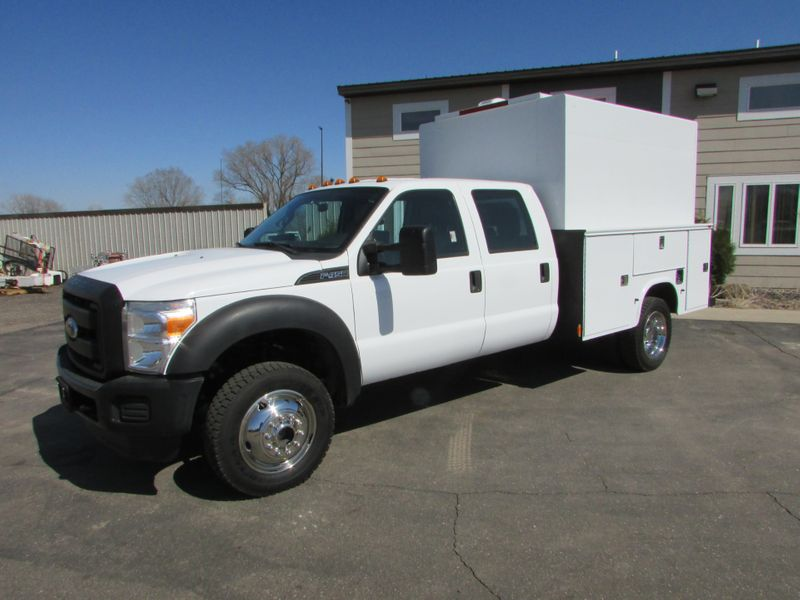 Photo Used 2011 Ford 2011 F-450 4x4 Crew Cab In-Closed Utility
