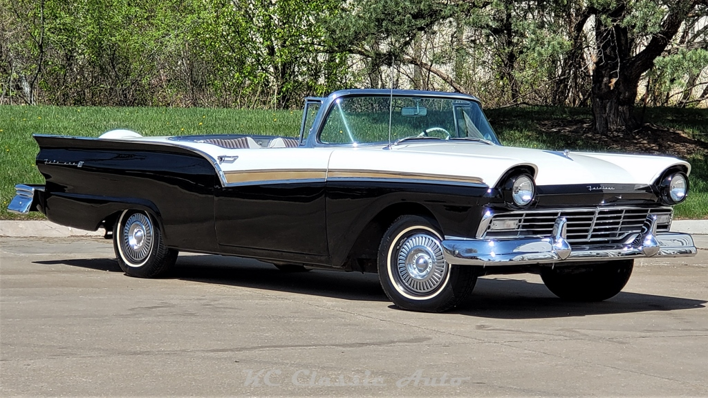 Photo 1957 Ford Fairlane 500 Skyliner Retractable Hardtop 312 V8 Automatic