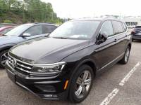 Used 2018 Volkswagen Tiguan For Sale at Moon Auto Group | VIN: 3VV4B7AX4JM017268