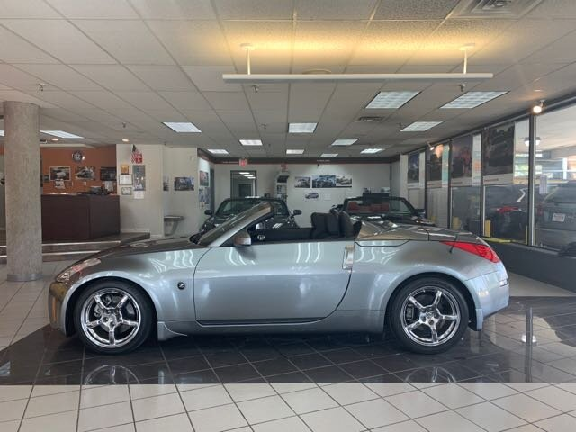Photo 2006 Nissan 350Z Enthusiast 6 SPEED for sale in Cincinnati OH
