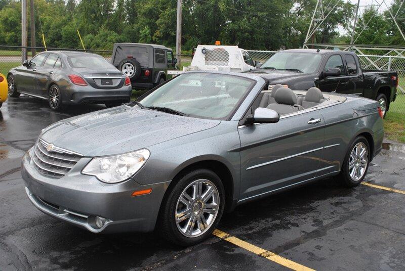 Photo 2008 Chrysler Sebring Limited Hard Top Convertible for sale in Flushing MI